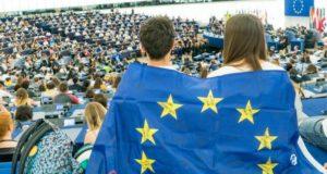 L'importanza di essere europei: il confronto tra generazioni
